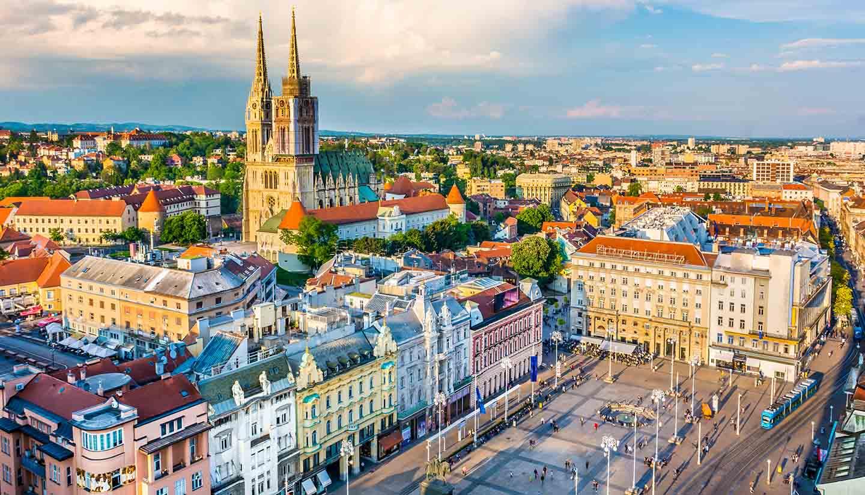 Kroatien - Zagreb aerial view, Croatia capital town.