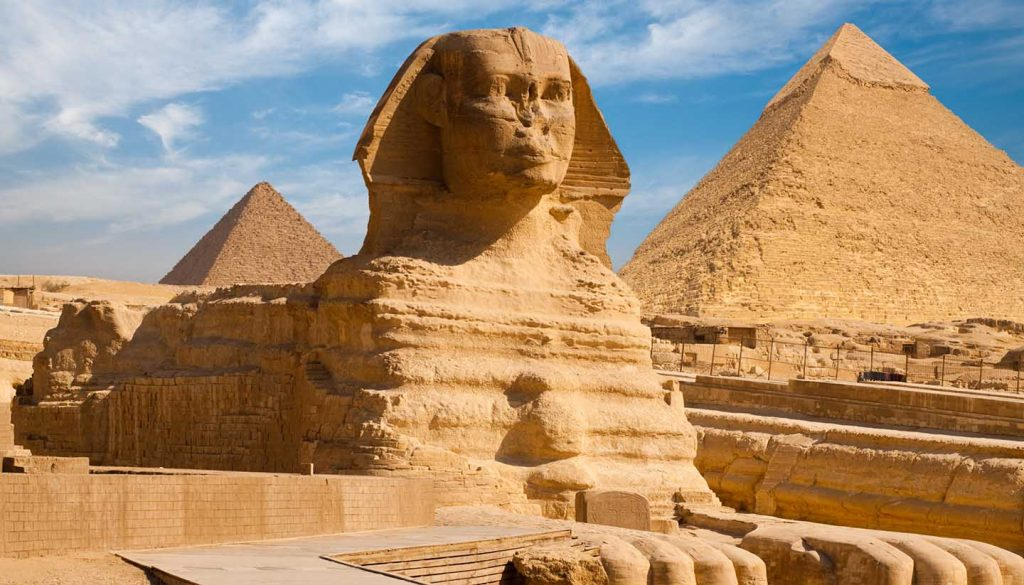 Ägypten - Full Sphynx Profile Pyramid Giza Egypt