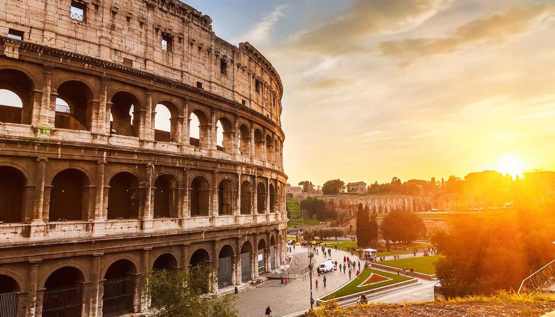 Italien - Coliseum at sunset