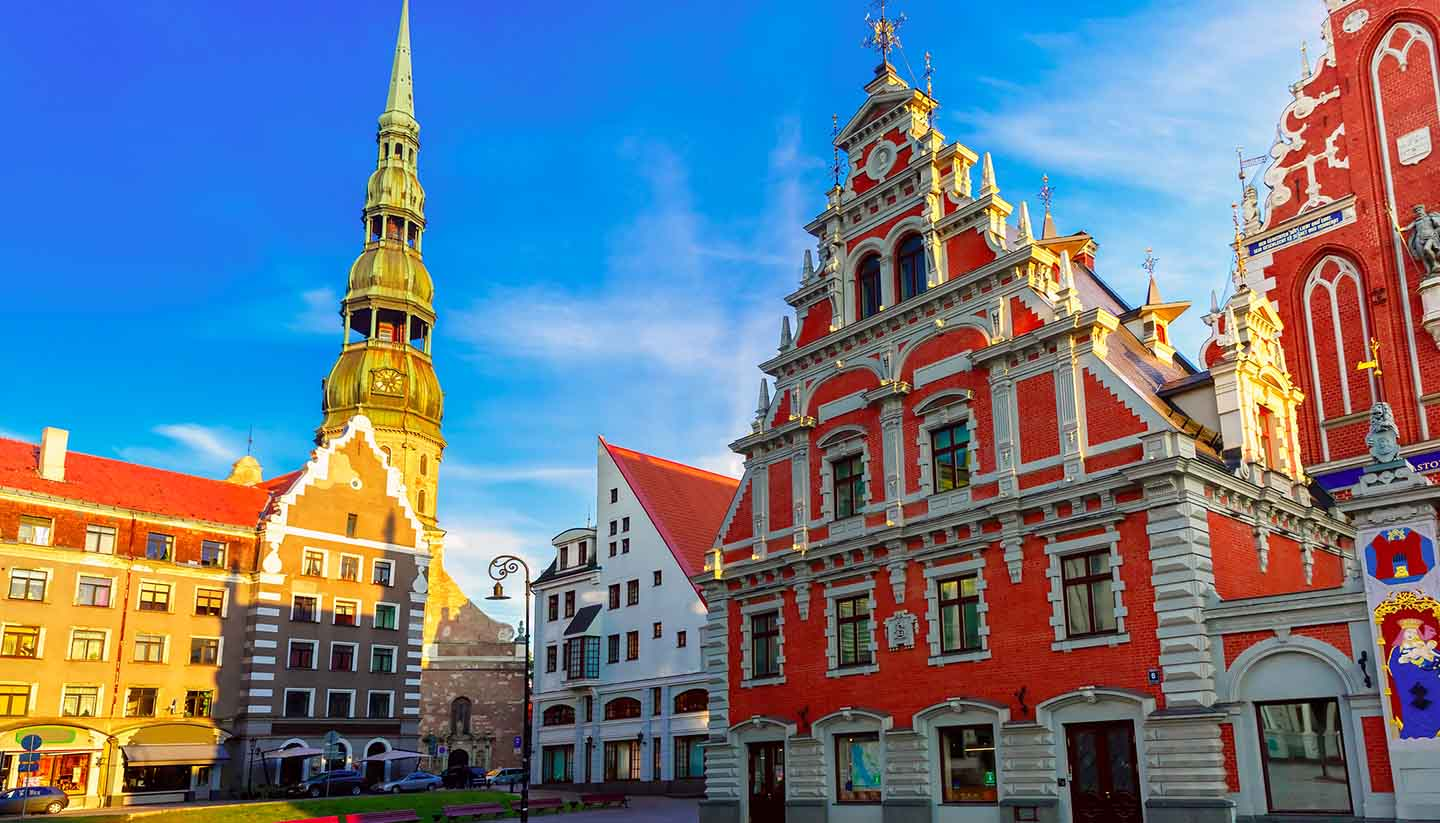 Lettland - City Hall Square in the Old Town of Riga, Latvia