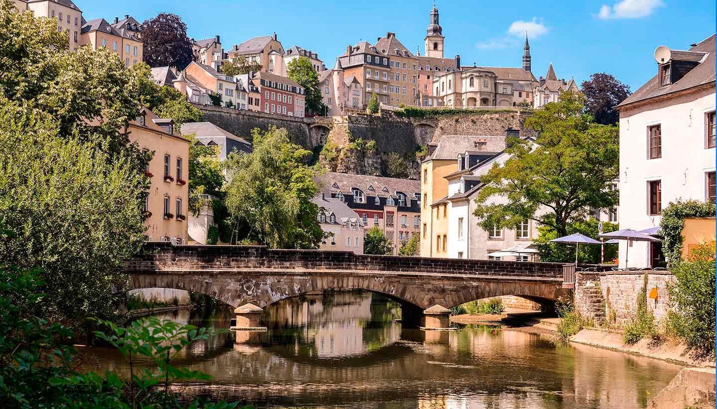 Luxemburg - Think-Luxembourg-Grund-183909539-tibu-copy