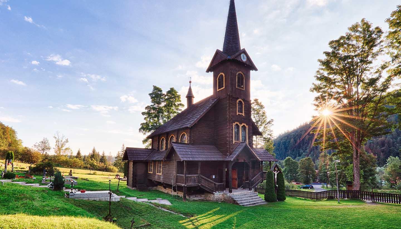 Slowakische Republik - Wooden church, Tatranska Javorina, High Tatra Mountains, Western Carpathians, Slovakia