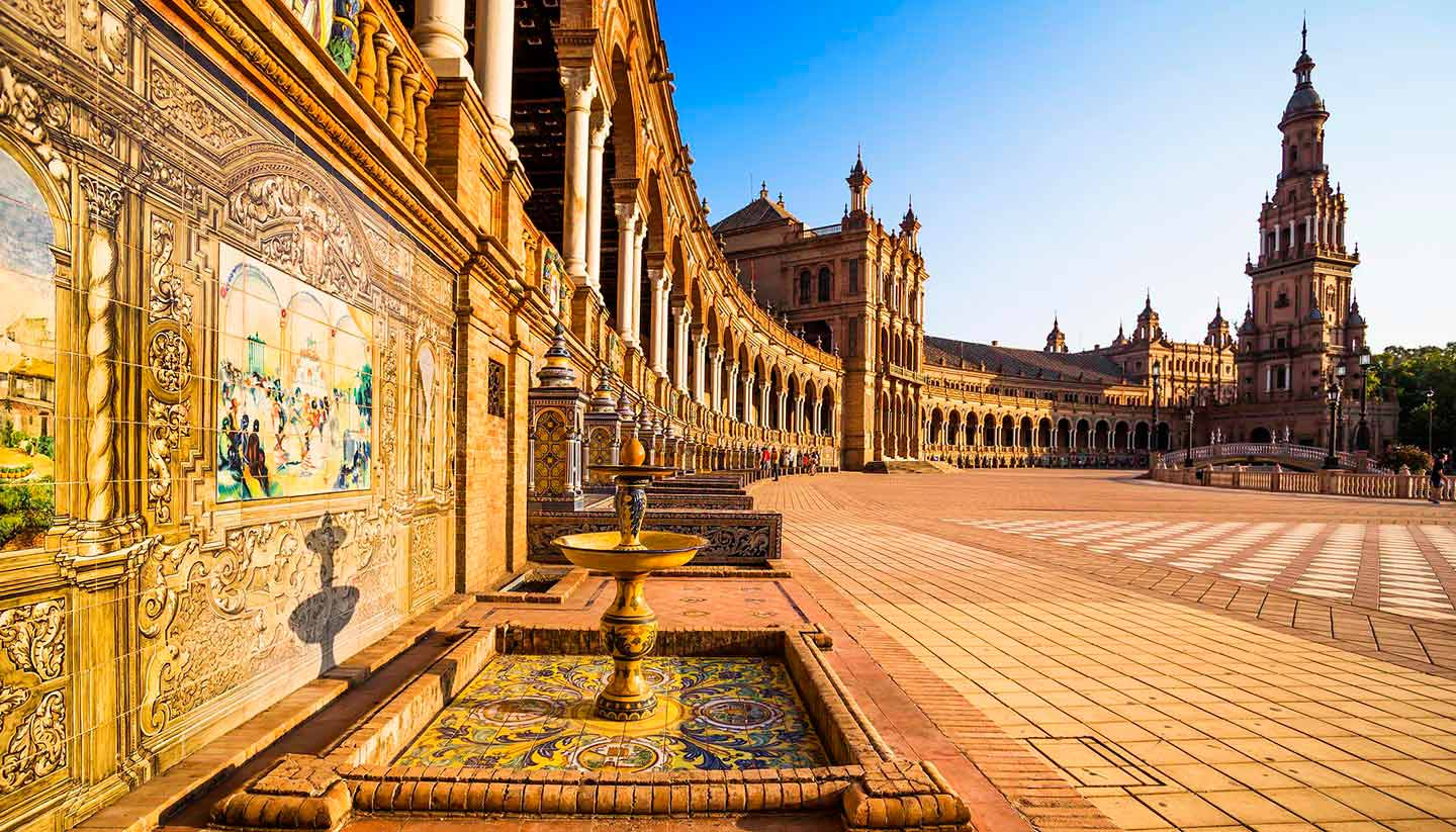 Spanien - Think-Spain-Seville-SpanishSquare-532664651-MarquesPhotography-copy