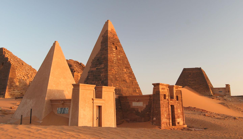 Sudan - Famous Meroe pyramids
