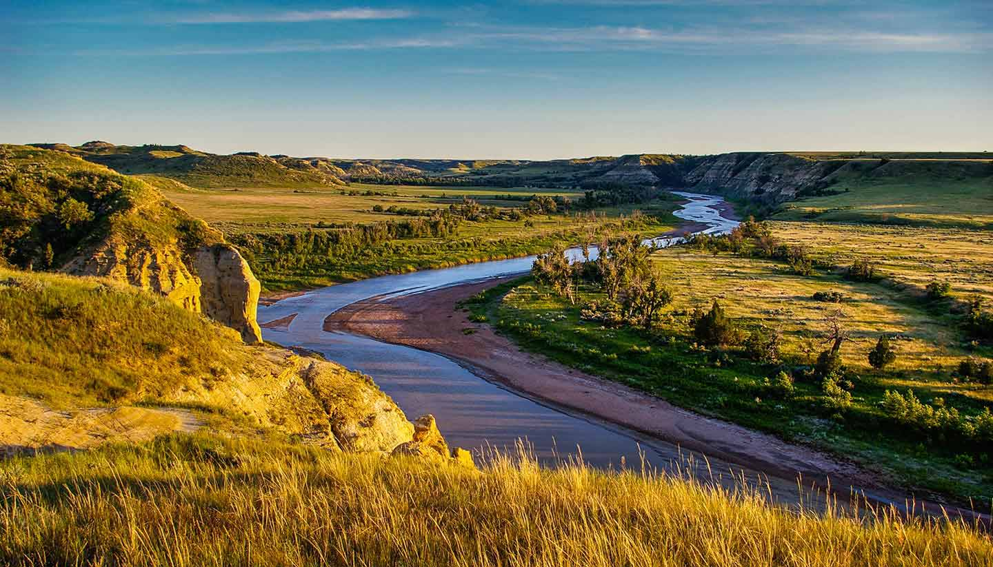 North Dakota - Think-USA-ND-Priarie-523514939-rruntsch-copy