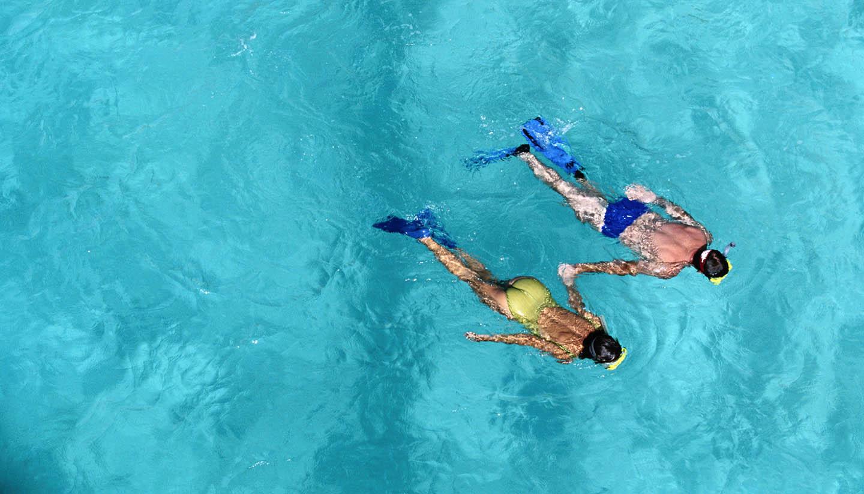 Amerikanische Jungferninseln - Couple Snorkeling