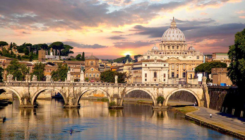 Vatikanstadt - View of Basilica di San Pietro in Vatican, Rome, Italy