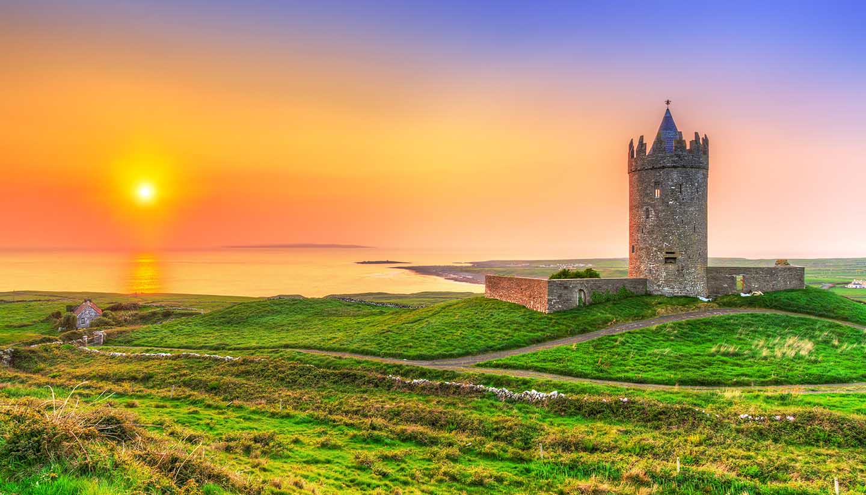 Irland (Republik) - shu-Ireland-Clare-DoonagoreCastle-244049320-Patryk-Kosmider-copy