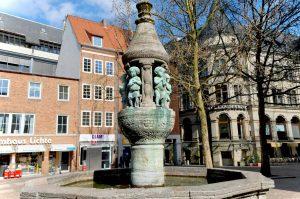 Der Marcus-Brunnen ist eines der Wahrzeichen der Stadt.