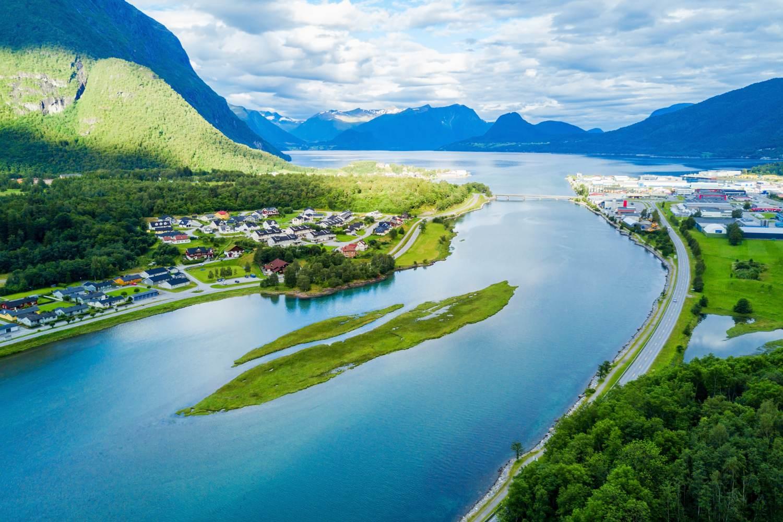 Die Stadt Åndalsnes, wo die Rauma-Linie endet