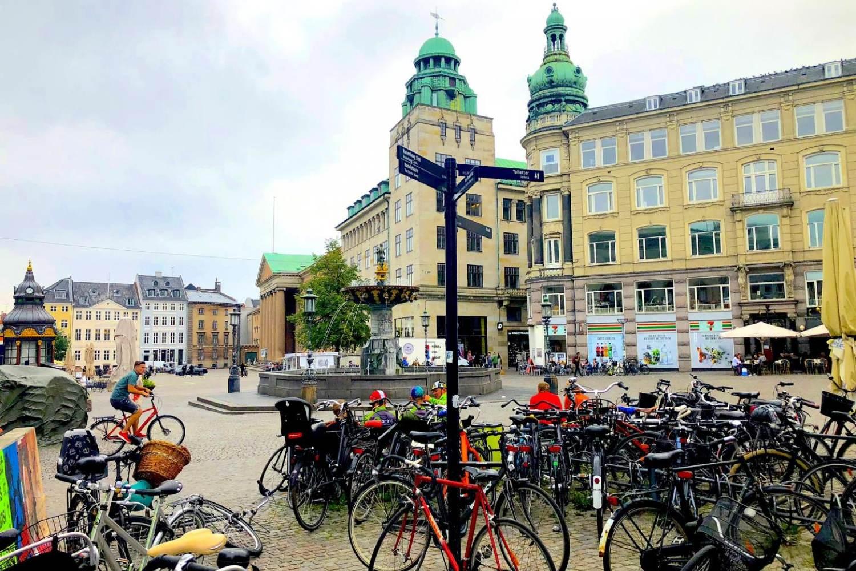 Fahrräder gehören in Kopenhagen zum Stadtbild. Es gibt mehr Bikes als Autos in Dänemarks Hauptstadt.