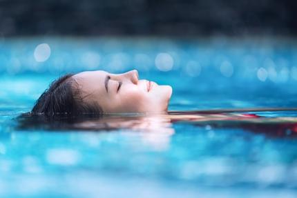 Hydrotherapie kann bei der Verbesserung der Blutzirkulation helfen